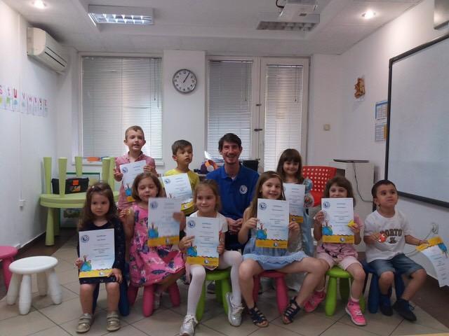 Английски език за деца от 3 до 5 години с чуждестранен учител.