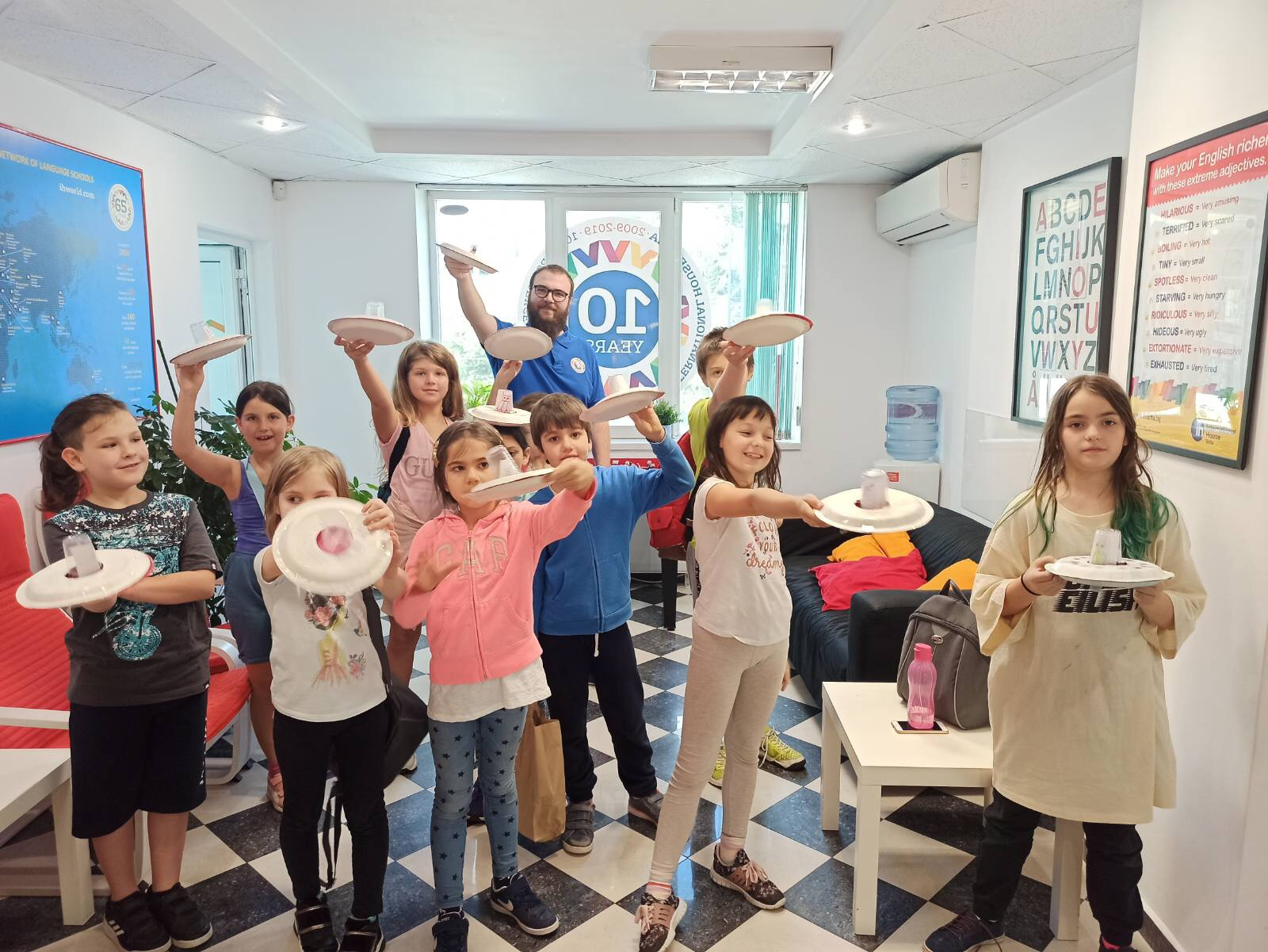 Английско училище за деца с британци и американци.